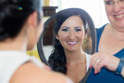 Glam makeup artist
